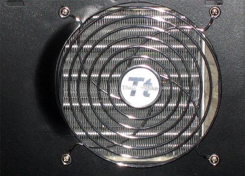 Вид изве корпуса на 120 миллиметровый радиатор