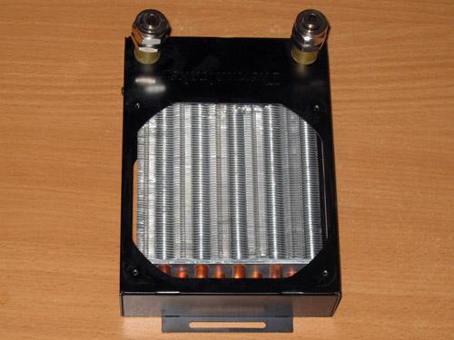 Вид 120 миллиметрового радиатора спереди