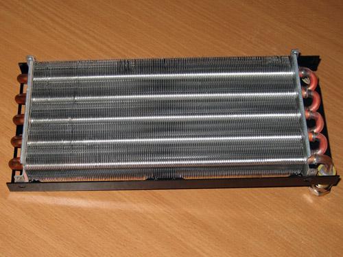 Внутренности типичного радиатора для системы водяного охлаждения